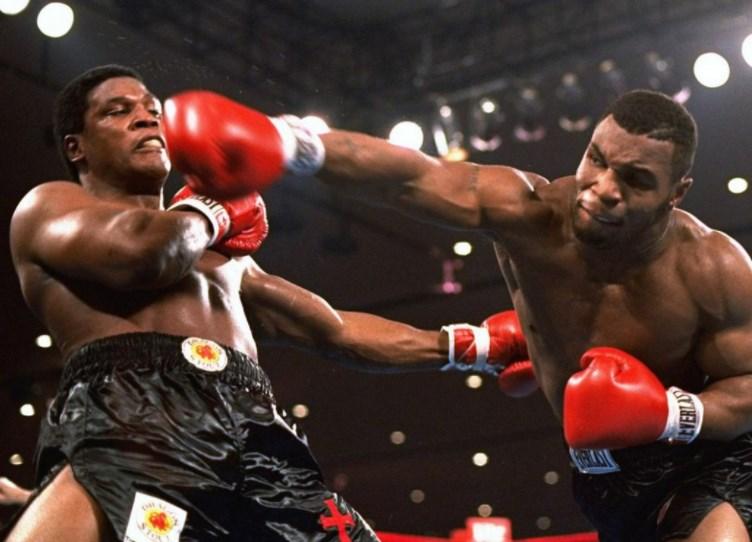Боксер против борца: кто сильнее