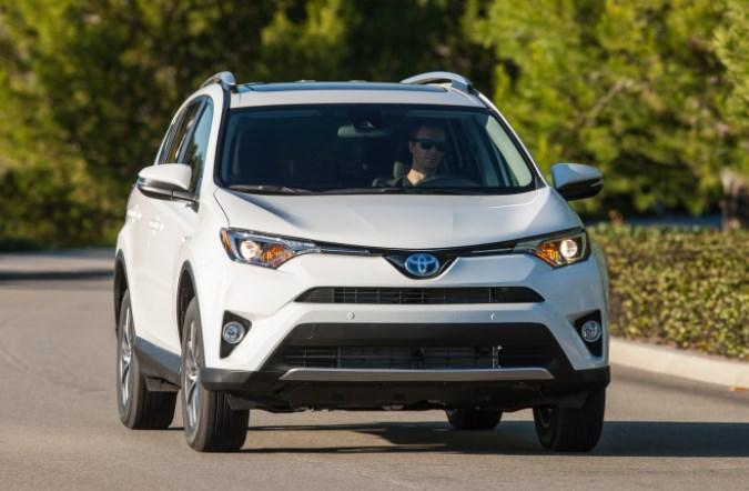 Toyota оставила европейцев без дизельного RAV4