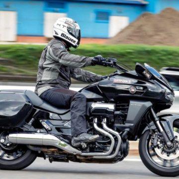 Установка bluetooth гарнитуры в мотоциклетный шлем своими руками.