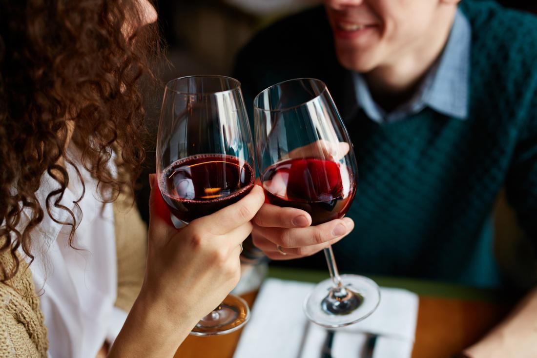 Умеренное потребление вина поможет снизить риск депрессии