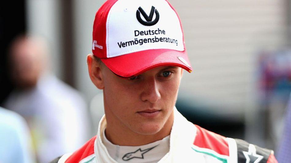 Мик Шумахер выиграл гонку на памятной для отца трассе