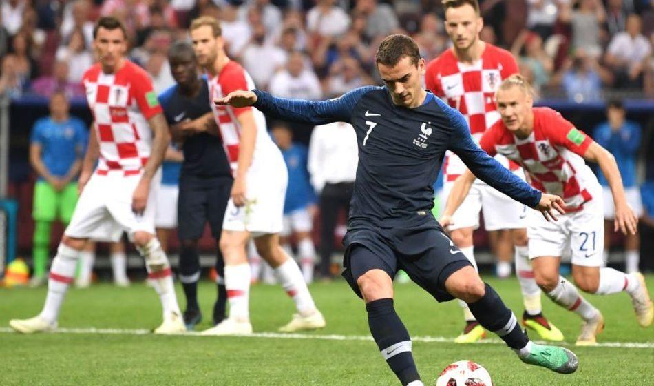 Первый тайм финала Чемпионата мира: три гола и французы впереди
