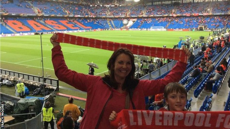 Через полмира с пересадками. Как фанаты Ливерпуля достаются Киева