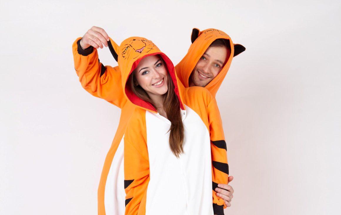 Одежда в стиле кигуруми – это прекрасный вариант для приятных моментов во время отдыха и развлечений