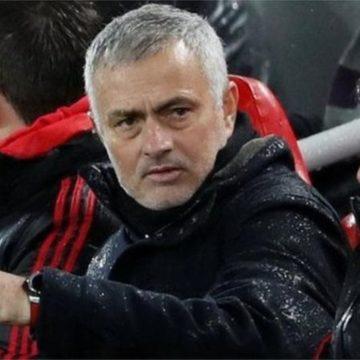 Жозе Моуринью уволили с поста тренера «Манчестер Юнайтед»