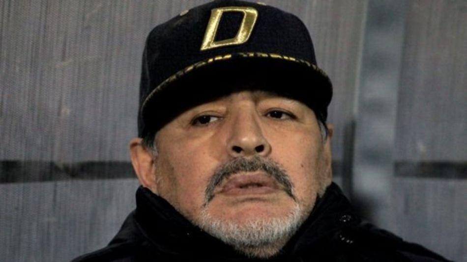 Бурный лечения на Кубе. Марадона признает отцовство троих детей