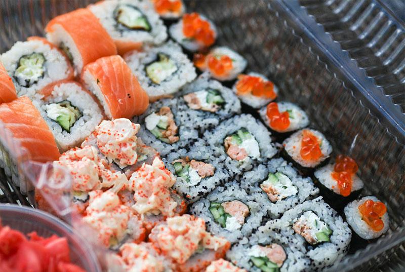 Доставка суши и роллов в Москве