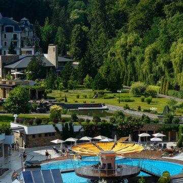 Отдых с бассейном термальных вод в Закарпатье